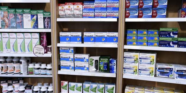 Les ventes de patches, pastilles ou gommes à mâcher pour arrêter de fumer ont augmenté dans les pharmacies (photo d'illustration).