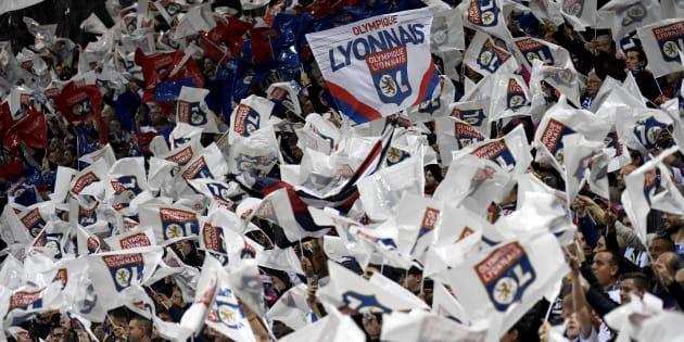 Les Lyonnais - ici le 2 décembre au Parc OL - ont passé leur temps à chambrer le public parisien.