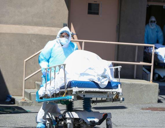 U.S. passes 10,000 coronavirus deaths