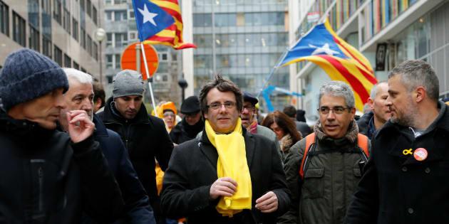 Élections en Catalogne: les trois scénarios possibles, selon le HuffPost Espagne