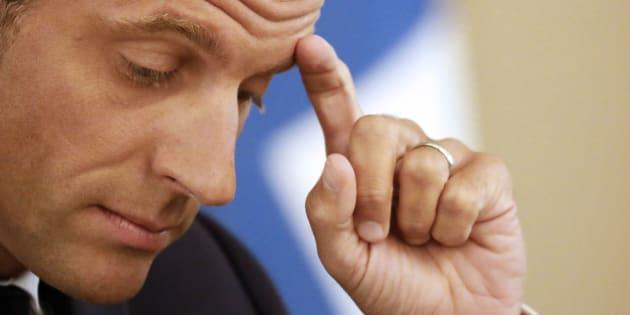 Pour la première fois de son quinquennat, Emmanuel Macron voit sa cote de popularité passer sous la barre des 20%.
