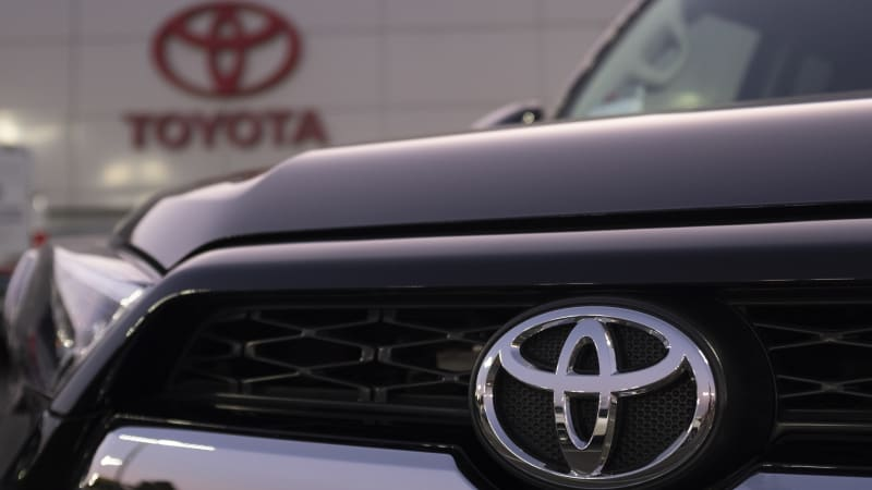 Toyota posts 1% profit gain in 2Q on healthy global sales