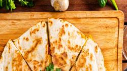 Ya en serio, ¿las quesadillas van con queso o sin