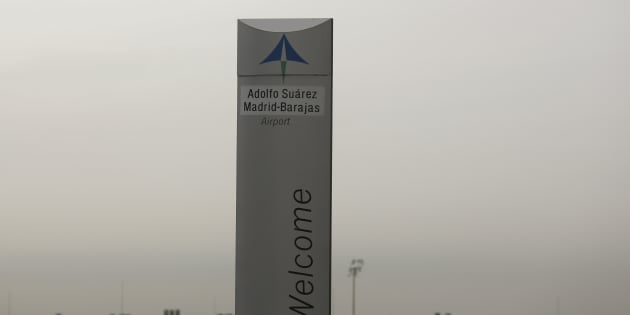 The logo of Spanish airports operator Aena is seen on the top of a welcoming sign outside Adolfo Suarez Barajas airport in Madrid, Spain, March 9, 2016. REUTERS/Sergio Perez