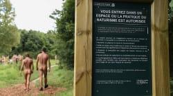 A Parigi ha aperto un parco pubblico in cui si può praticare il nudismo legalmente (e i francesi ne sono