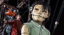 ジュネーブの街を巨人が進撃。大きさ8メートルの操り人形