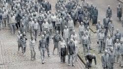 Gli zombie invadono Amburgo per ricordare ai potenti del G20 una cosa molto