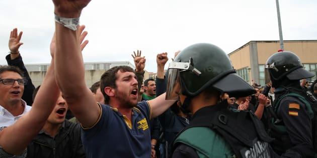 Référendum en Catalogne: il y a eu plus de coups de matraque que de bulletins de vote, et ça a déjà fait perdre Madrid