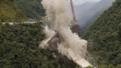 El derrumbe de un puente mata al menos a cinco personas en