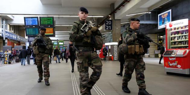 Trois jeunes hommes ont été condamnés à 9 ans de prison pour un projet d'attentat  sur un site militaire en 2015 (photo d'illustration).