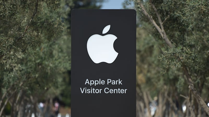 photo image Ex-Apple worker charged with stealing self-driving car secrets for China