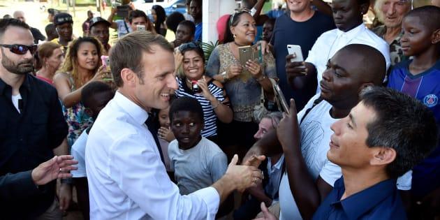 """Avec sa formule sur le """"Père Noël"""", Macron offre un angle d'attaque parfait à ses opposants"""