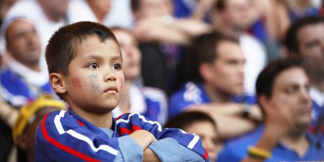 Vous allez voir un match dehors avec votre enfant? Quelques astuces pour ne pas le perdre dans la foule.