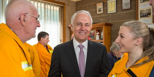 Prime Minister Malcolm Turnbull back volunteer fire fighters from hostile union takeovers