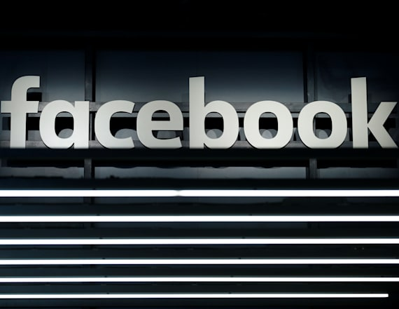 Facebook to share Russia-linked ads with Congress