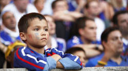 Vous allez voir un match dehors avec votre enfant? Quelques astuces pour ne pas le perdre dans la