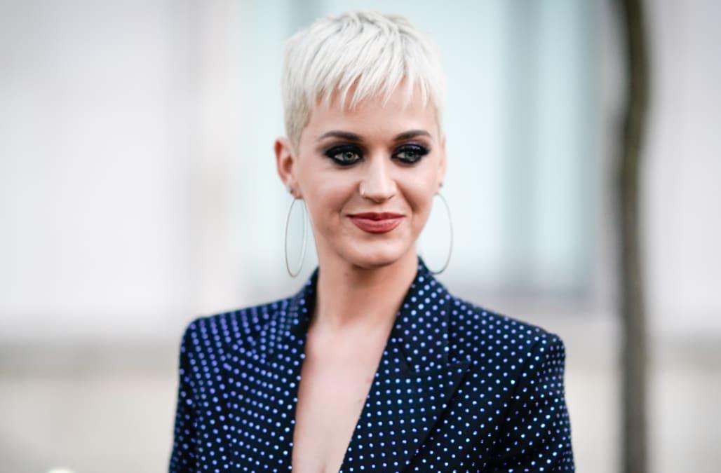 9359d01f8 Katy Perry rocks colorful bikini on glamorous Italian getaway  Pics ...