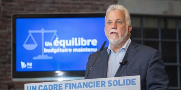 Philippe Couillard au dévoilement du cadre financier du PLQ, mercredi matin.