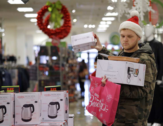 Costly holiday shopping mistake Americans are making