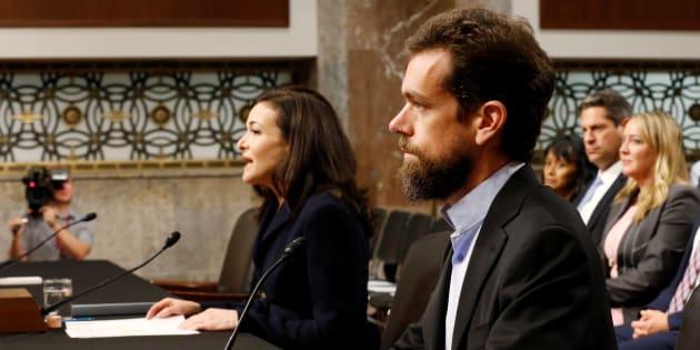 Jack Dorsey y Sheryl Sandberg, testificando este miércoles en el Senado de EEUU.