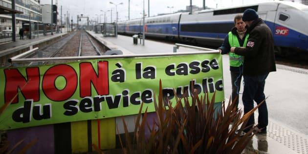 """La solution du rapporteur de la loi pour mettre fin au """"fantasme"""" de la privatisation de la SNCF."""