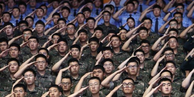 Des soldats de la Corée du Sud lors d'une cérémonie soulignant le 68ème anniversaire de la guerre de Corée de 1950-1953.