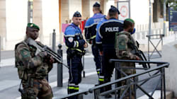 Arrestation de 10 personnes liées à l'extrême droite qui voulaient attaquer des hommes