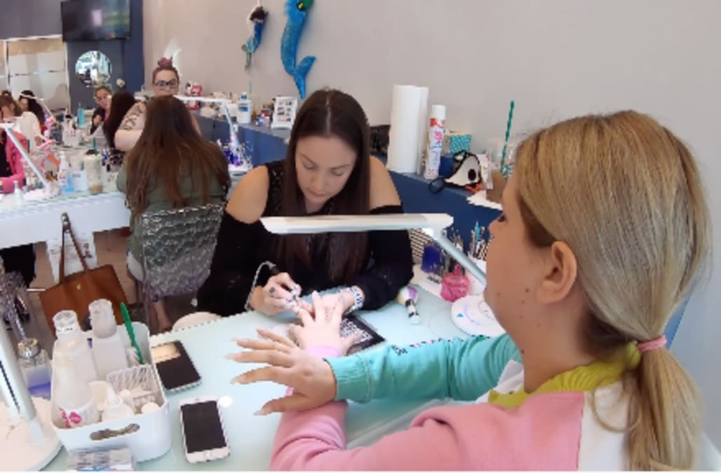 Office manager leaves her job to open nail studio