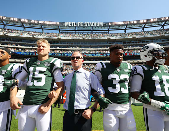 Jets chairman will pay fines for kneeling players