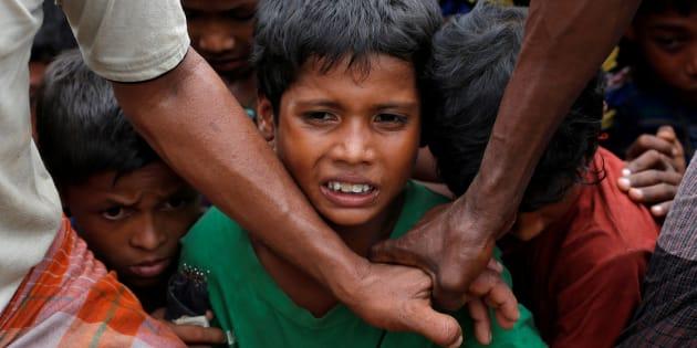 """L'ONU dénonce le """"nettoyage ethnique"""" des Rohingyas en Birmanie."""