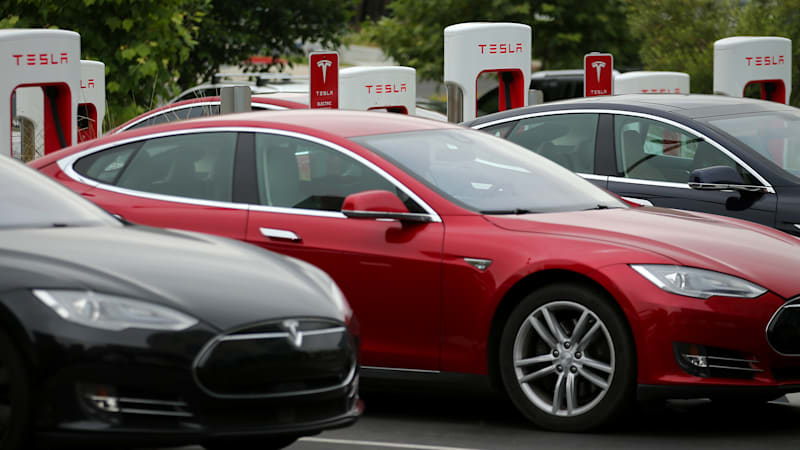 Tesla in talks to open Superchargers to other automakers
