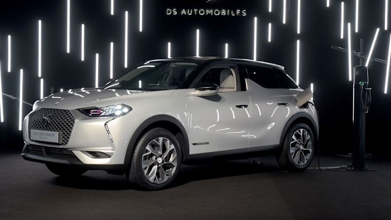 ds 3 crossback e tense ev at paris motor show autoblog. Black Bedroom Furniture Sets. Home Design Ideas
