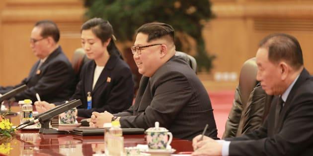 """Depuis la Chine, la Corée du Nord s'est """"engagée à la dénucléarisation"""", Kim Jong-un d'accord pour rencontrer Donald Trump."""