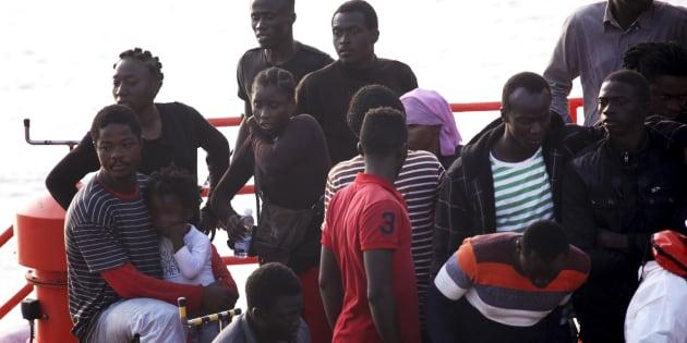 Un grupo de migrantes, a su llegada al puerto de Tarifa, el pasado 27 de agosto.