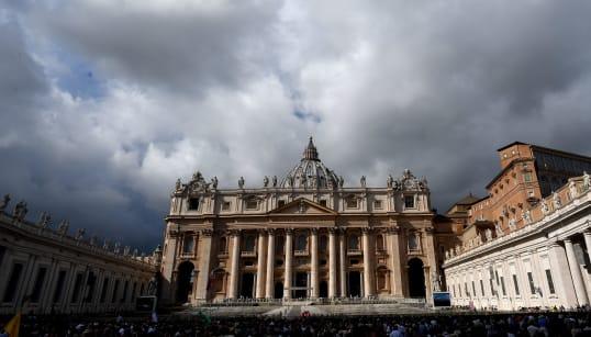 COSE VATICANE - Un risarcimento milionario. L'accusatore del Papa, l'ex nunzio Viganò, condannato a risarcire il fratello (di...