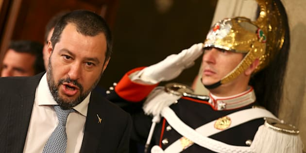 """""""O la va o la spacca"""". Salvini si butta avanti anc"""