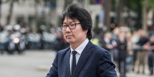 """L'ancien ministre Jean-Vincent Placé est jugé pour """"violences, injures à caractère racial et outrage à agents"""", après une soirée très alcoolisée à Paris en avril."""