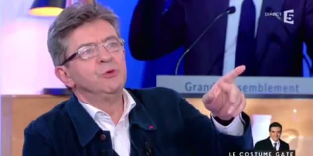 Jean-Luc Mélenchon sur le plateau de C à vous