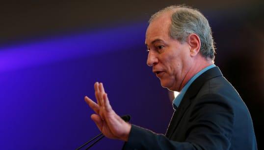 Ciro promete aumentar repasse da União para educação básica conforme metas