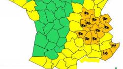Des milliers de foyers privés d'électricité dans le nord-ouest, douze départements en alerte