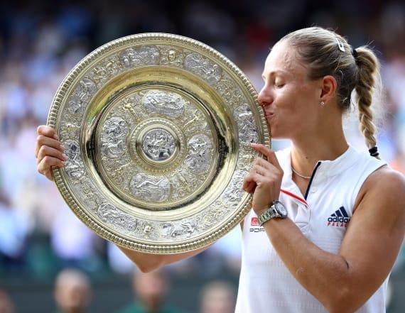 Kerber stuns Williams to win Wimbledon title