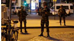 Polícia procura foragidos após explosão em estação central de