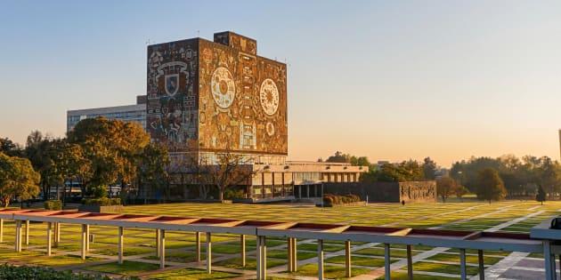 La Ciudad Universitaria de la Universidad Nacional Autónoma de México, el mural de la Biblioteca hecho por Juan O'Gorman.