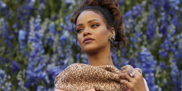 Singer Rihanna poses before attending the Spring/Summer 2016 women's ready-to-wear collection show for Dior fashion house during the Fashion Week in Paris, France, October 2, 2015.
