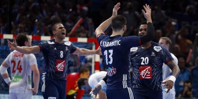 """L'équipe de France de handball remporte """"son"""" Mondial en battant la Norvège en finale (33-26)"""