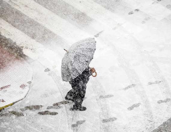 200 million Americans brace for wintry mix