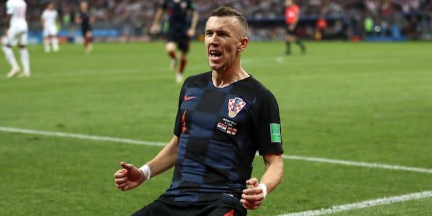 Ivan Perisic comemora gol que levou jogo para a prorrogação e encaminhou classificação croata.