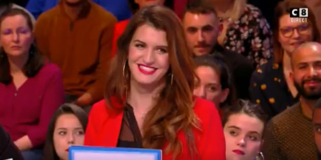 """Marlène Schiappa félicite Cyril Hanouna pour sa maîtrise de l'antenne dans """"Touche Pas à Mon Poste"""" ce 8 mars."""