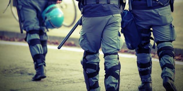 Un poliziotto non può non essere antifascista