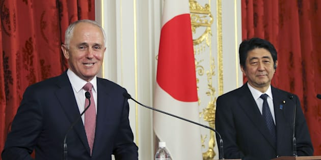 Australian Prime Minister Malcolm Turnbull (L) speaks as his Japanese counterpart Shinzo Abe listens during their joint news conference at the Akasaka Palace state guesthouse in Tokyo, in 2015.